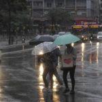 Emiten alerta naranja en cinco departamentos uruguayos por vientos fuertes