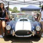 Exponen autos clásicos y de colección en la Explanada de los Grandes