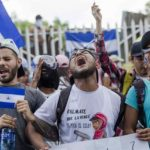 Centenares de nicaragüenses se dan la mano para pedir la salida de Ortega
