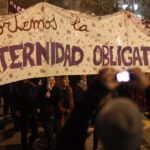 Miles chilenos marchan en Santiago a favor de aborto libre, seguro y gratuito
