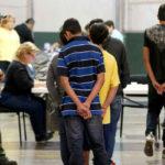 Mil familias de inmigrantes reunificadas en EEUU tienen orden de deportación