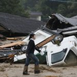 Siguen labores de rescate en Japón por lluvias que dejan decenas de muertos