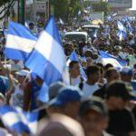 Cientos de nicaragüenses marchan en Granada para pedir renuncia de Ortega