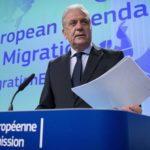 La CE confirma que 5 países de la UE se repartirán los migrantes del Aquarius