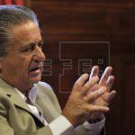 """Expresidente Duhalde cuestiona a Macri por abrir debate de aborto """"en crisis"""""""