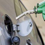 """Ecuador sube el precio de la gasolina """"súper"""", entre otras medidas económicas"""