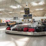 Un fallo informático obliga aeropuerto Gatwick a anunciar vuelos en pizarras
