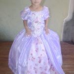 Fue presentada al templo la pequeña Emily Olais Ortega