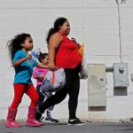 Solo doce padres deportados de EE.UU. sin sus hijos han sido ubicados