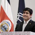 Alvarado pide a diputados aprobar reforma tributaria en octubre en Costa Rica