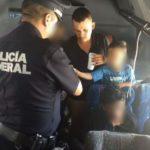 Detienen a 24 migrantes guatemaltecos en un autobús cerca de Ciudad de México