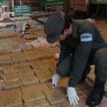 Detienen a dos miembros de Fuerza Aérea de Ecuador con una tonelada de droga