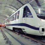 El primer tren del metro de Quito llega a la capital ecuatoriana