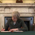 """Gobierno británico trabaja """"contrarreloj"""" para alcanzar acuerdo del """"brexit"""""""