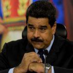 """Maduro asevera que el emigrante venezolano sale del país """"lleno de dólares"""""""