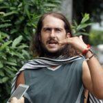 Policía hondureña recupera bicicleta robada a uruguayo que viaja a Alaska