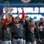 Medias Rojas vence 5-1 a Dodgers con Prince y Pearce de héroes y son campeones del mundo