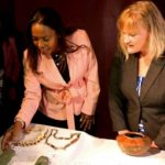 Colombia recibe 11 piezas precolombinas incautadas en EE.UU.