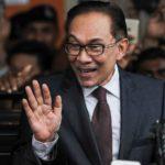 Exlíder opositor malasio toma posesión del escaño antes de asumir el gobierno