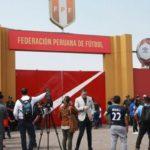FIFA vuelve a amenazar con suspender a Perú si se cambia ley sobre Federación