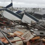 Michael golpea la costa de EEUU con la fuerza de sus vientos de 250 km/h