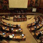 Asamblea de Ecuador decidirá el jueves si expulsa a dos legisladoras