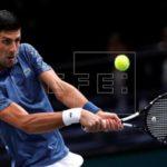 Djokovic por la vía rápida a cuartos tras el abandono de Dzumhur