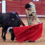 Joaquín Galdós corta tres orejas y sale a hombros de Acho