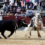 El rejoneador Diego Ventura indulta a un toro en su regreso a México
