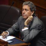 Exministro denunciado por corrupción proclamó su inocencia al retornar a Perú