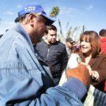 Fraccionamiento Casablanca recibe visita  y beneficios llevados por Leticia Herrera