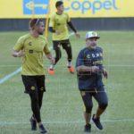 Los Dorados de Maradona reciben al San Luis en busca de un buen cierre