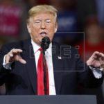 Trump afirma que podría ayudar Pelosi si necesita votos para presidir cámara