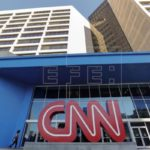 Trump pierde una batalla contra CNN, pero amenaza con restricciones a prensa