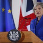 """El DUP pide a May que vuelva a centrarse en el acuerdo del """"brexit"""""""