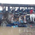 Al menos 24 fallecidos y 15 heridos en un accidente de tránsito en Bolivia