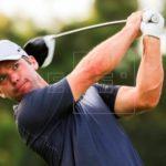 El inglés Casey, con tres golpes de ventaja, apunta a su tercer torneo PGA