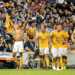 El colombiano Quiñones rescata empate de Tigres 1-1 en casa del Monterrey