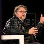 Mexicano Del Toro entrega becas en México para impulsar a jóvenes cineastas