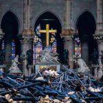Las dudas persisten sobre el fuego que malhirió a Notre Dame