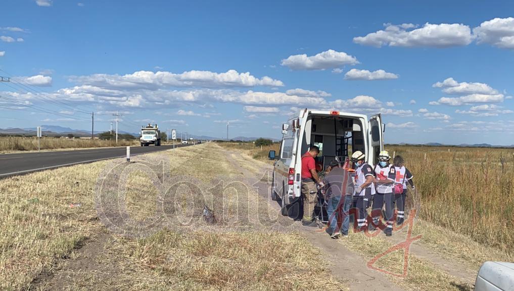 Volcadura cerca del entronque a Málaga deja cuatro lesionados 2