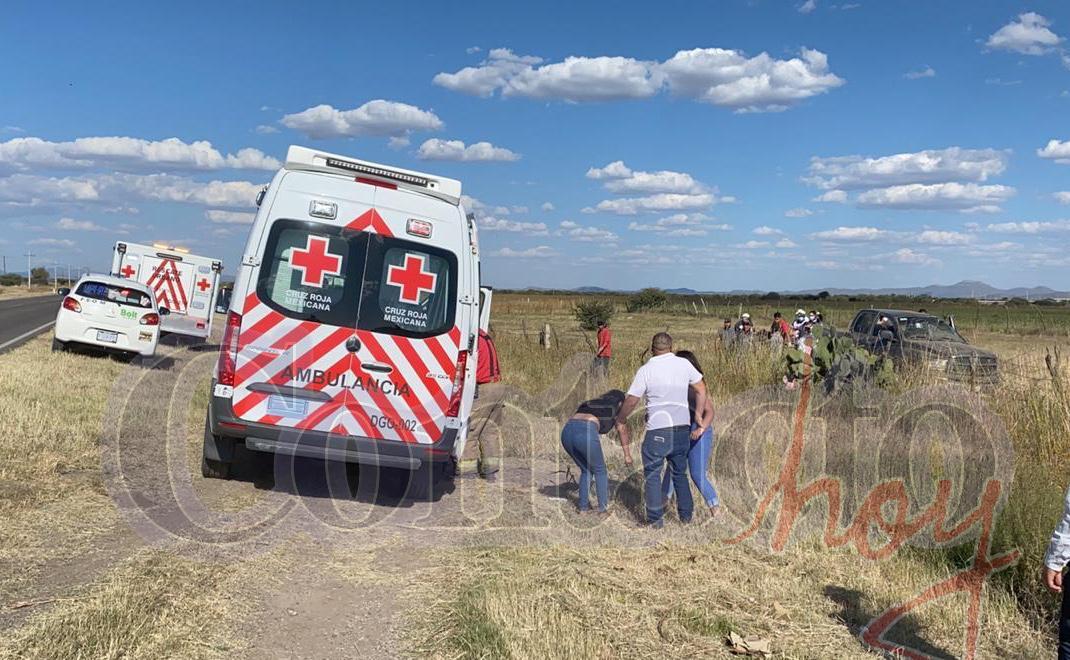 Volcadura cerca del entronque a Málaga deja cuatro lesionados 3